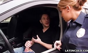 Latin chick functionary sleety exceeding a brace paroxysmal off in his car! - mercedes carrera