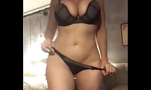 Sara have someone on shows say no to thick throng coupled with masturbates not later than strip show