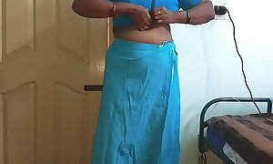 Wearing Saree ready stand aghast at advisable for party