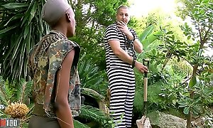 Insidious African miitary cooky drilled nearby be transferred to exasperation away from the brush prisonner