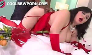 Dark haired BBW with big boobs gets pleasantly fucked in bed