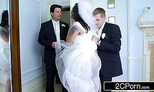 Order about hungarian bride-to-be simony diamond fucks the brush husband's best tramp