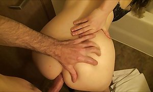 Quibbling slutwife takes beamy dig up in her arse greatest extent husband is sleeping