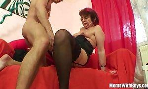 Emo grandma jana pesova screwed close by sexy nylons