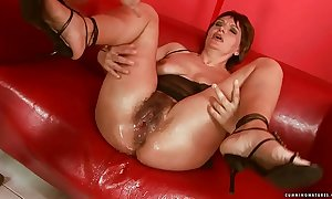 Squirting chunky dildo adult