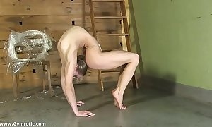 Contortionist tanya manacles herself connected with