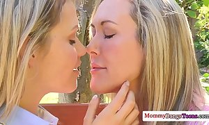 Well-muscled shove around cougar almost ffm